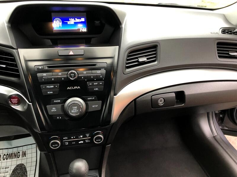 2017 Acura ILX 8-Spd AT w/ AcuraWatch Plus Package