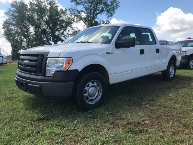 "2011 Ford F-150 2WD SuperCrew 139"" XL"