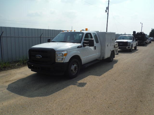 2011 Ford F-350 SD XL SuperCab 2WD DRW