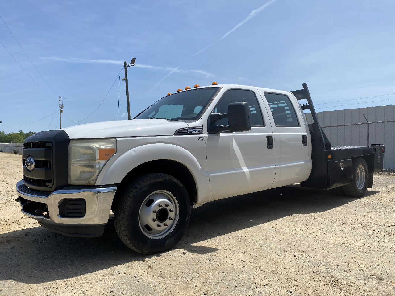 Ford F-350 SD XL Crew Cab Long Bed DRW 2WD 2011