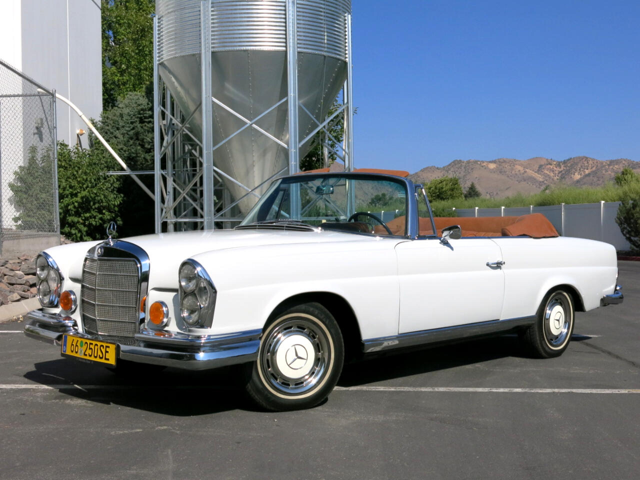 1966 Mercedes-Benz 250 SE Convertible
