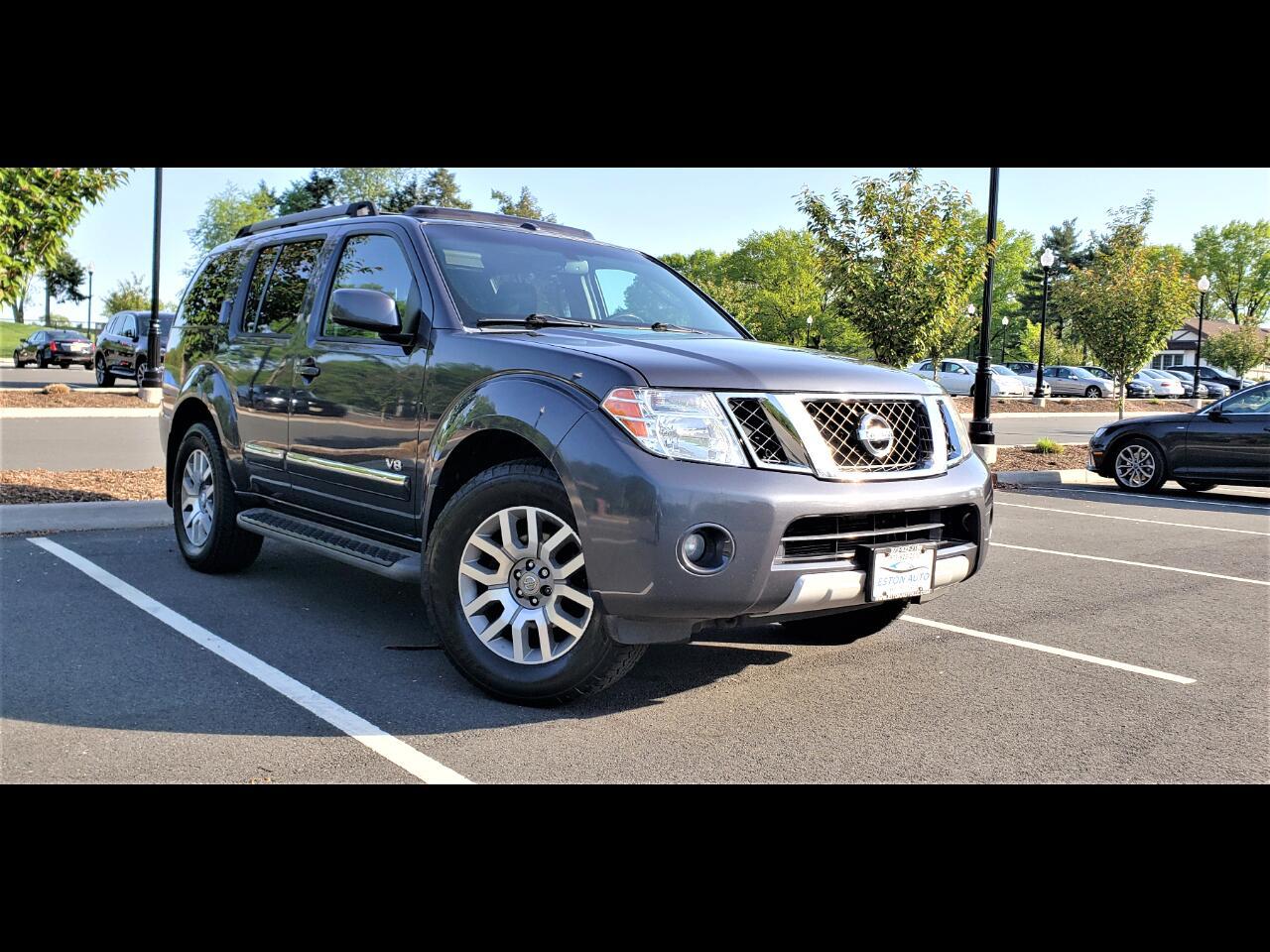 2011 Nissan Pathfinder 4WD 4dr V8 LE