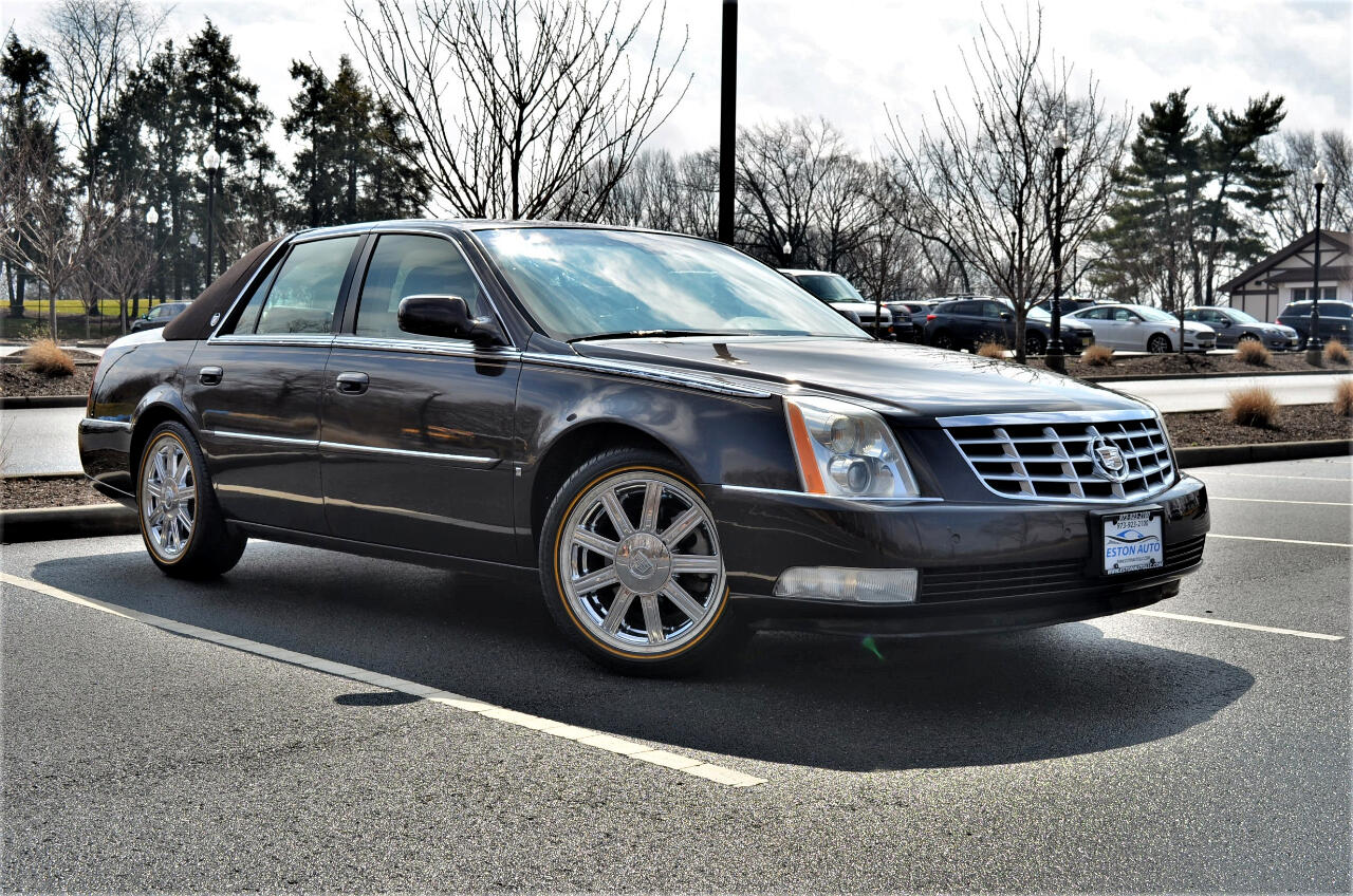 Cadillac DTS 4dr Sdn Luxury II 2008