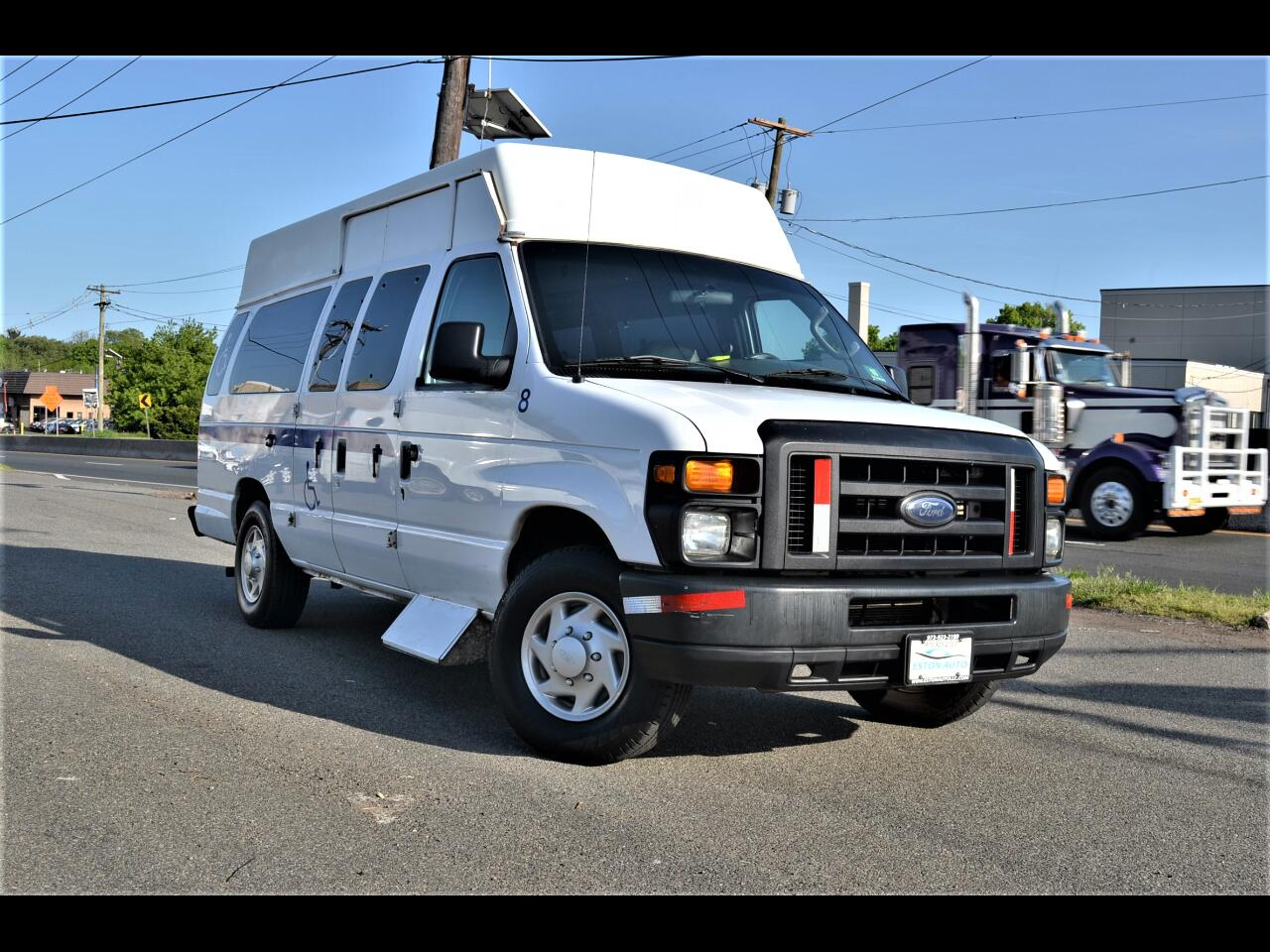 Ford Econoline Cargo Van E-250 Ext Recreational 2008