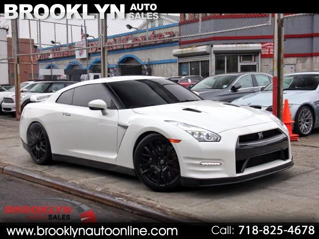 2016 Nissan GT-R Premium White ON Red