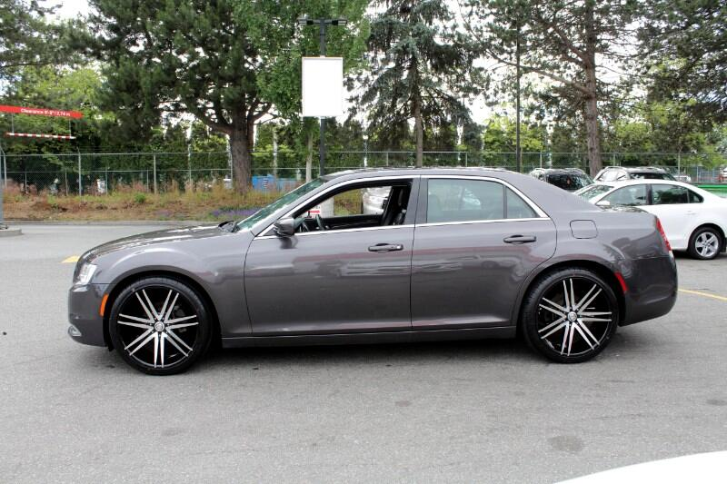 2017 Chrysler 300 Limited RWD| Panoramic Sunroof| Fully Loaded