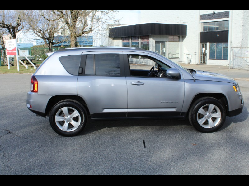 2015 Jeep Compass Sport 4WD |Sunroof |BC Vehicle |No Accident
