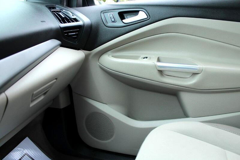 2015 Ford Escape SE FWD| Leather Interior| BC Car| No Accidents