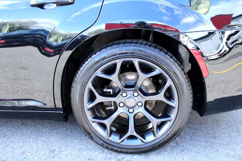 2019 Chrysler 300 S V6 RWD| Fully Loaded| BC Car| No Accidents