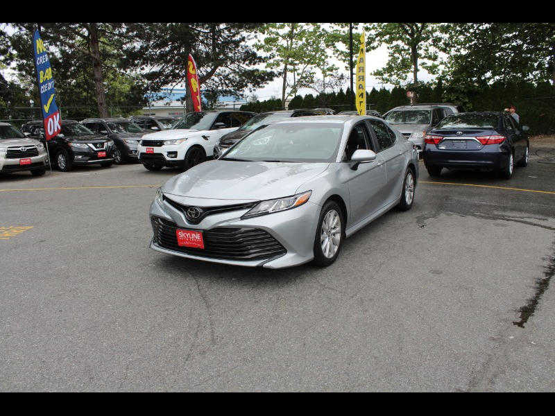 2018 Toyota Camry LE| Low Kms| Back-Up Cam| BC Car