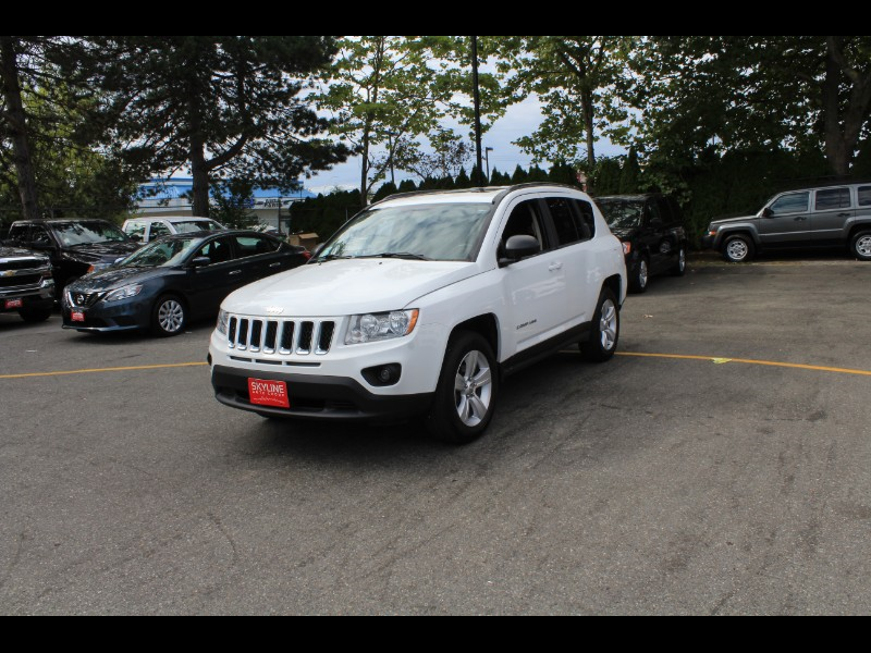 2013 Jeep Compass Sport 4WD| Sunroof| Power Windows| No Accidents