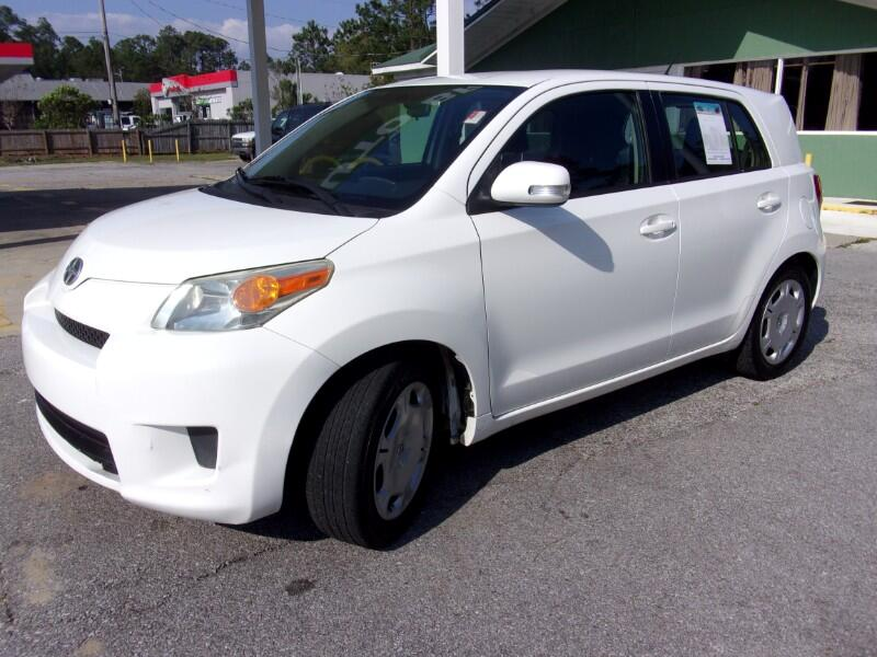 Scion xD 5-Door Hatchback 4-Spd AT 2012