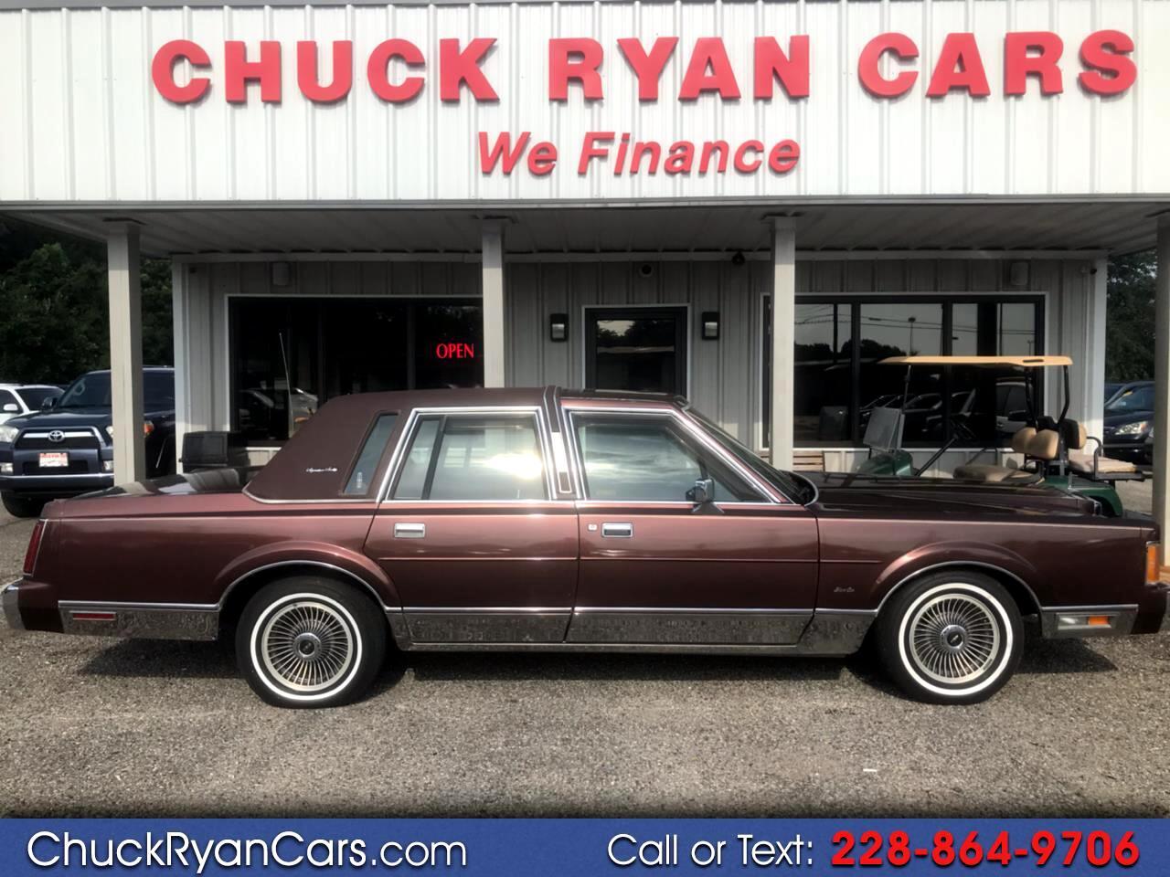 1989 Lincoln Town Car 4dr Sedan Signature