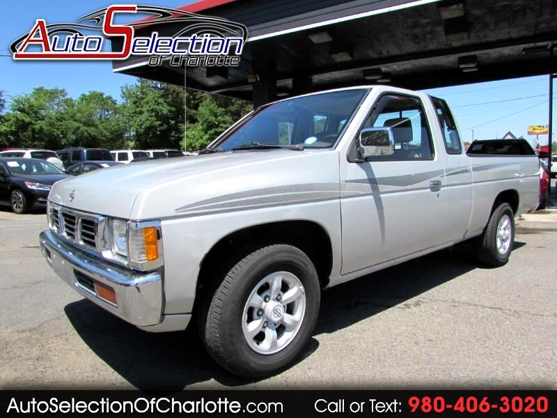 1997 Nissan Pickup XE King Cab 2WD