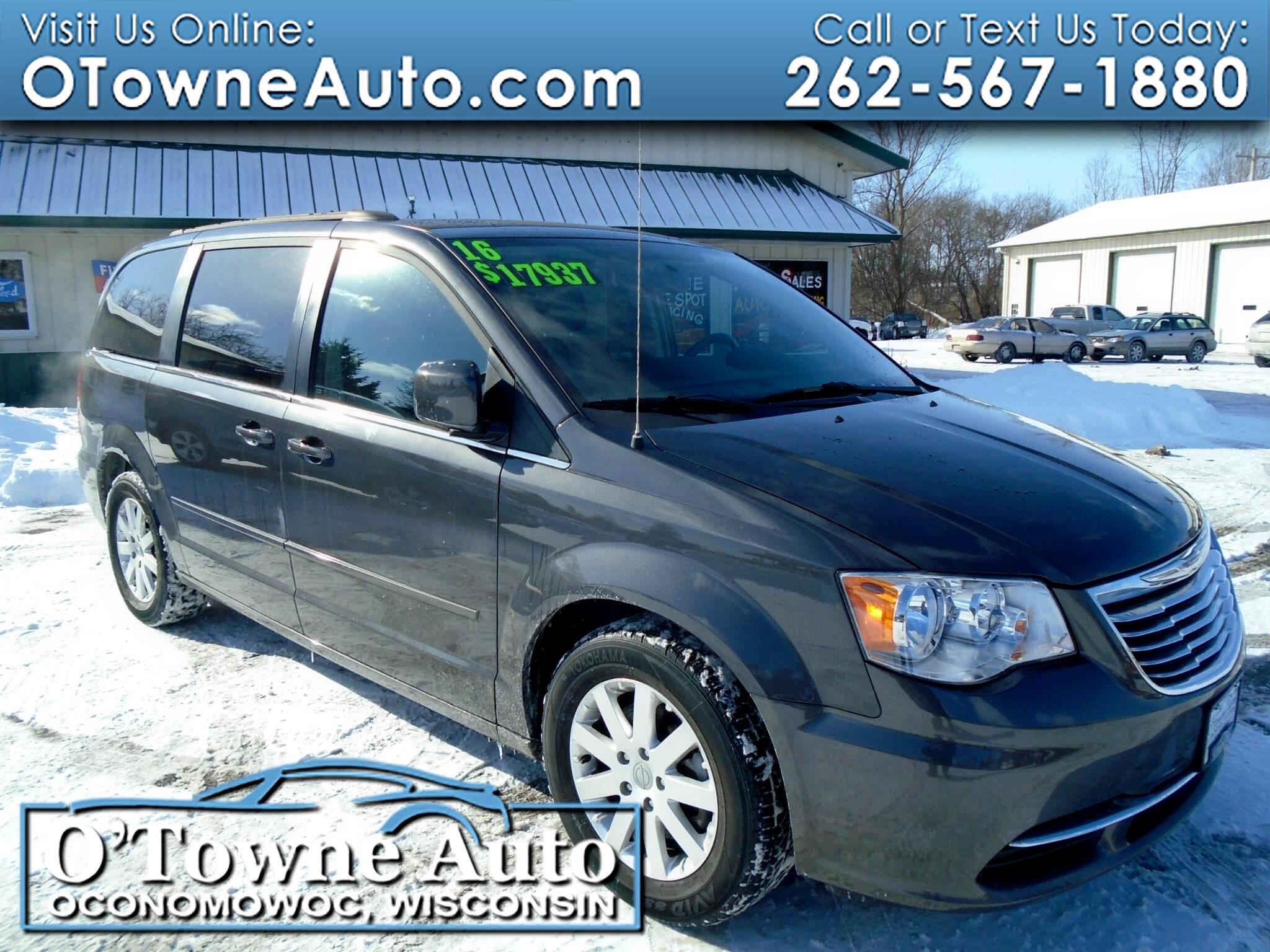 2016 Chrysler Town & Country 4dr Wgn LX
