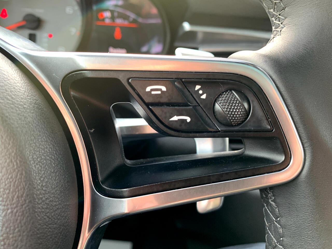 2015 Porsche Macan AWD 4dr S