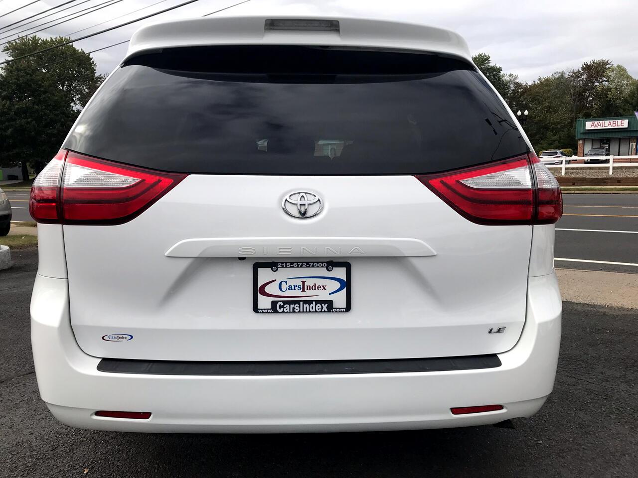 2017 Toyota Sienna LE FWD 8-Passenger (Natl)