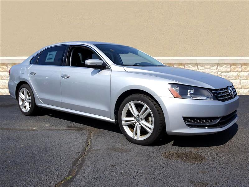2014 Volkswagen Passat 2.0L TDI SE w/Sunroof & Nav