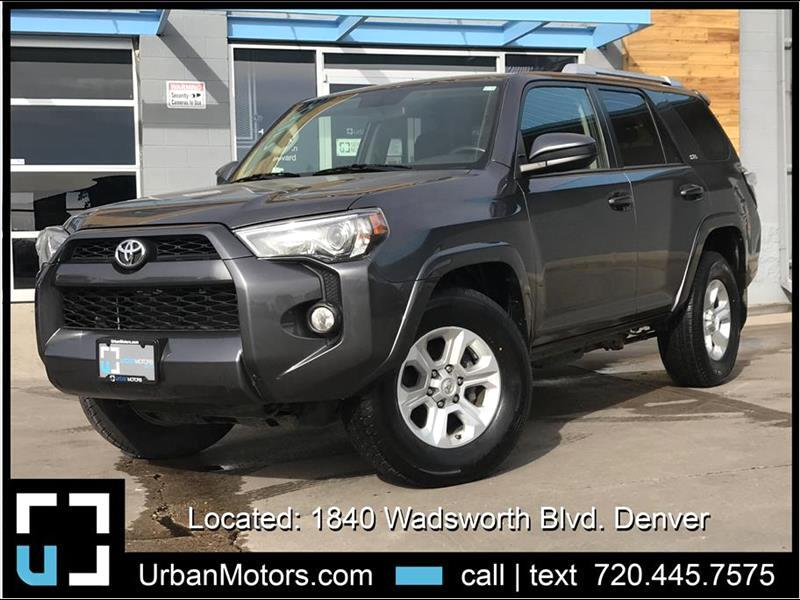 2017 Toyota 4Runner SR5 w/ 3rd Row