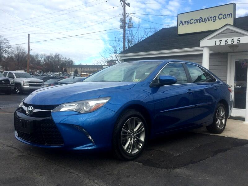 2017 Toyota Camry SE **NAVIAGTION// SUNROOF// GREAT PRICE**