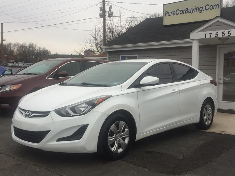 2016 Hyundai Elantra SE **Low Miles//Great Price//Financing Available**