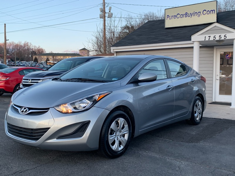 2016 Hyundai Elantra SE **Low Miles//Great Price//Financing Available**