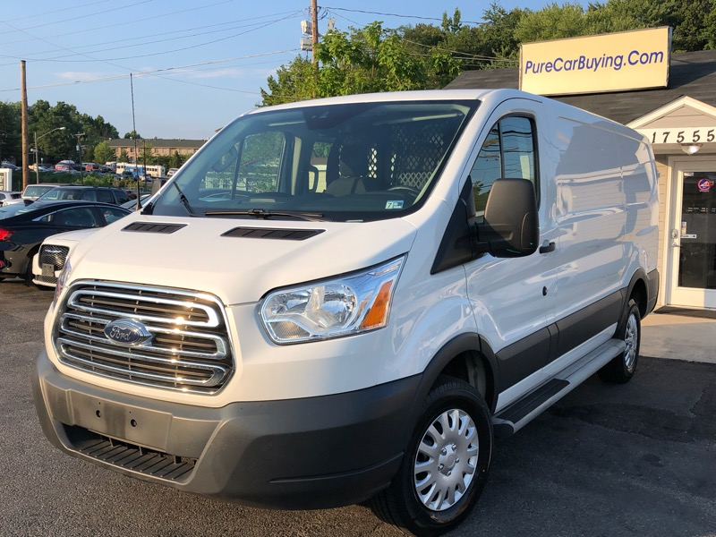 Ford Transit 250 Van Low Roof 60/40 Pass.130-in. WB 2017