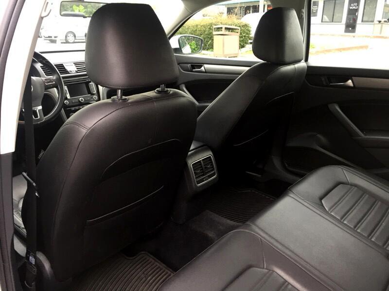 2015 Volkswagen Passat 1.8T SEL Premium AT PZEV