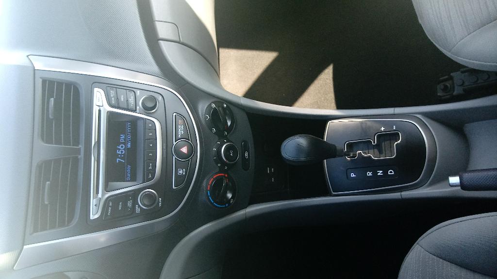 2015 Hyundai Accent GLS 4-Door 6A