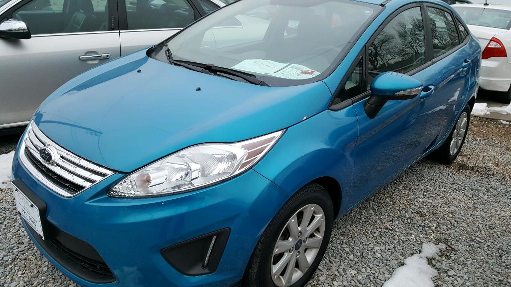 Ford Fiesta SE Sedan 2013