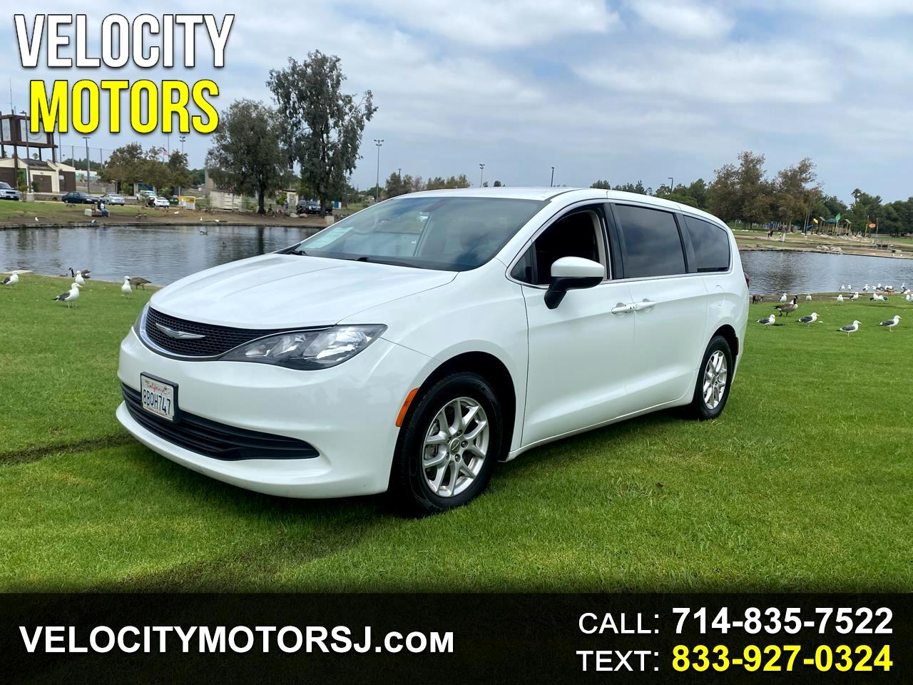 Chrysler Pacifica LX FWD 2018