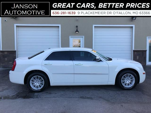 2010 Chrysler 300 TOURING V6 NEW TIRES! LEATHER ALLOYS MUST SEE!!
