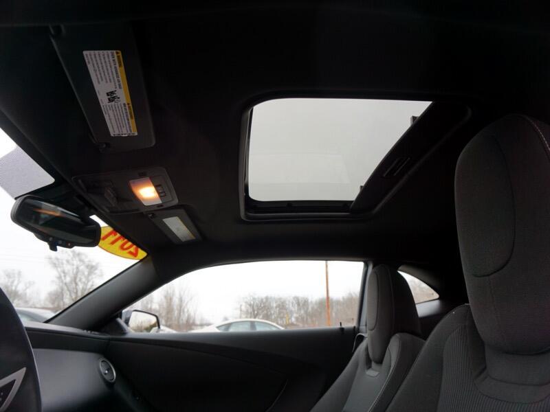2011 Chevrolet Camaro LT 14K MILES!! MOONROOF 21