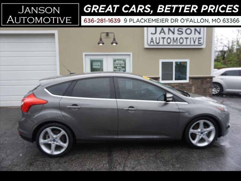 2012 Ford Focus TITANIUM MOONROOF NAV LEATHER ALLOYS FORD SYNC/BLU
