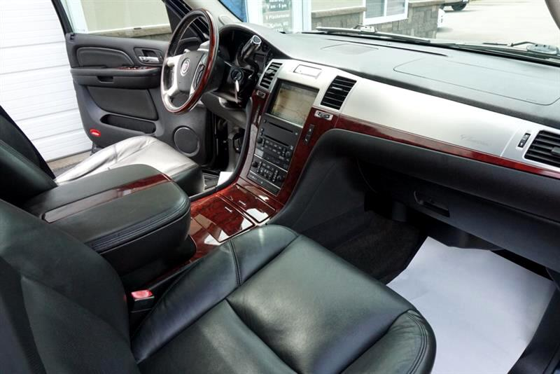 2008 Cadillac Escalade V8 Ultra Luxury Collection Pkg, Navi, Roof, Rear C