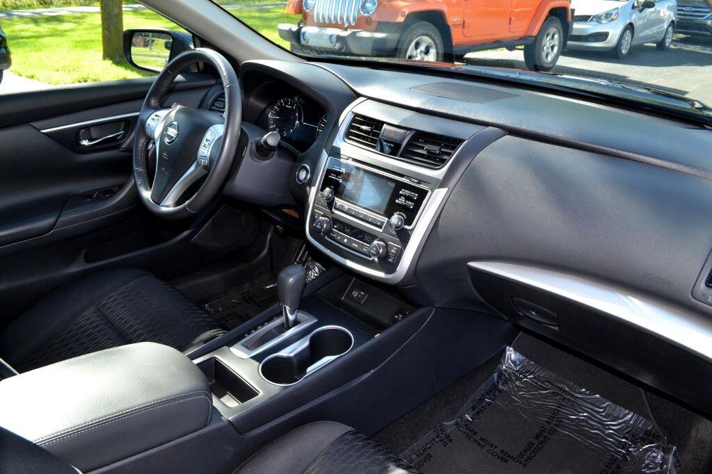 2017 Nissan Altima 2017.5 2.5 SV Sedan
