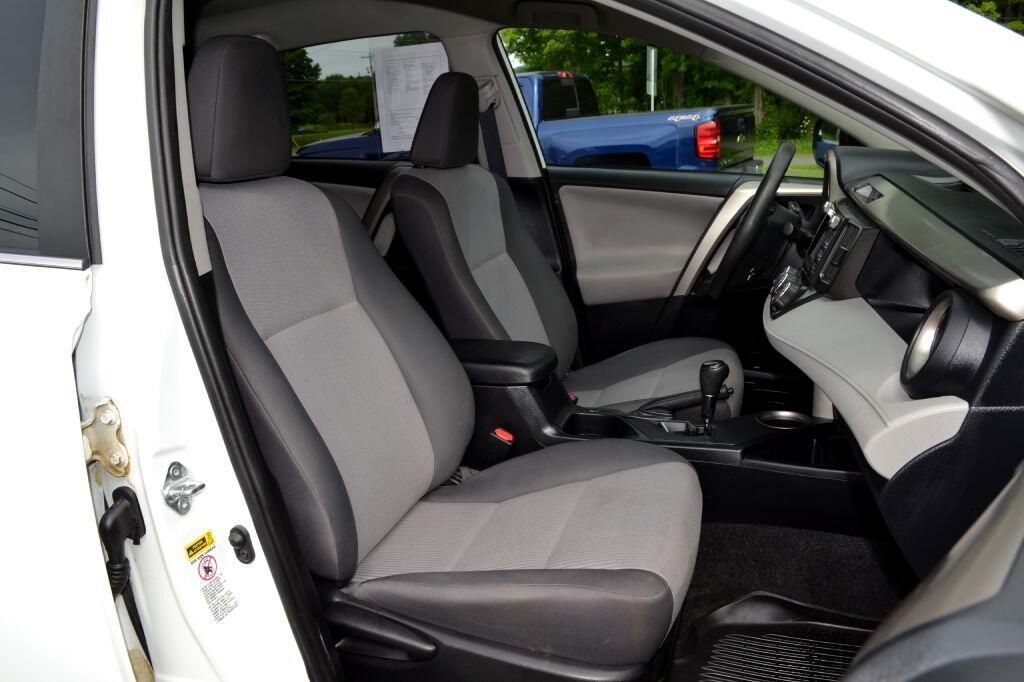 2014 Toyota RAV4 AWD 4dr LE (Natl)
