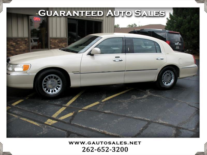 2002 Lincoln Town Car Cartier L