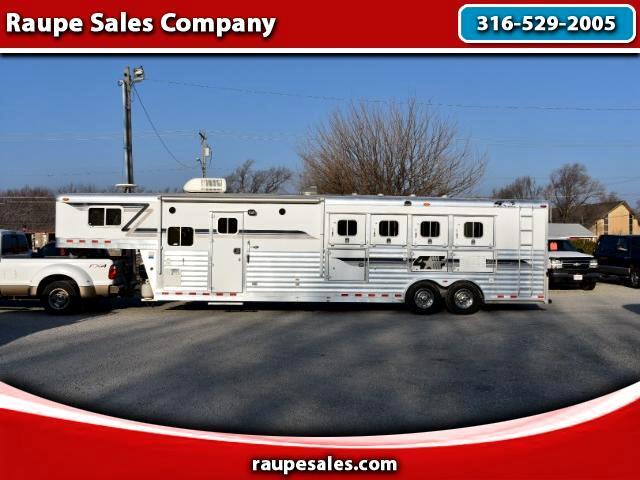 2003 4 Star 4 horse