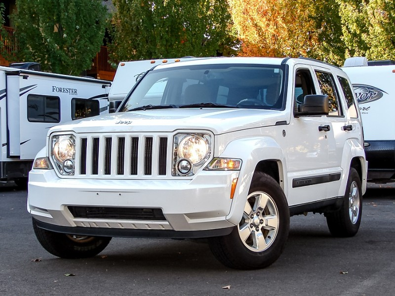 2012 Jeep Liberty Sport 4WD 1-Owner Exceptional Willing to Warranty