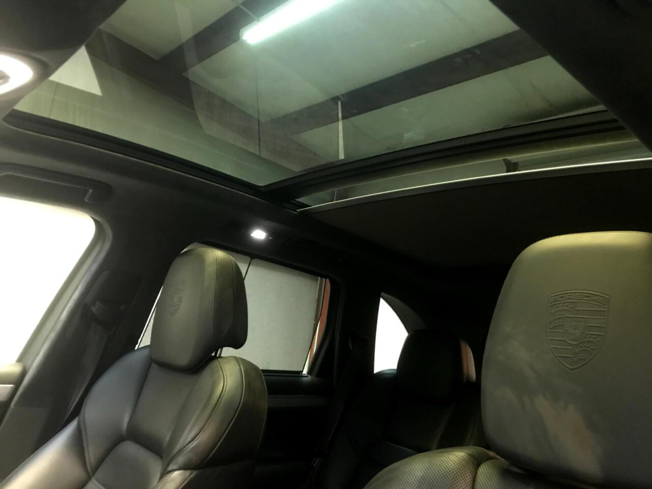 2012 Porsche Cayenne AWD 4dr Turbo