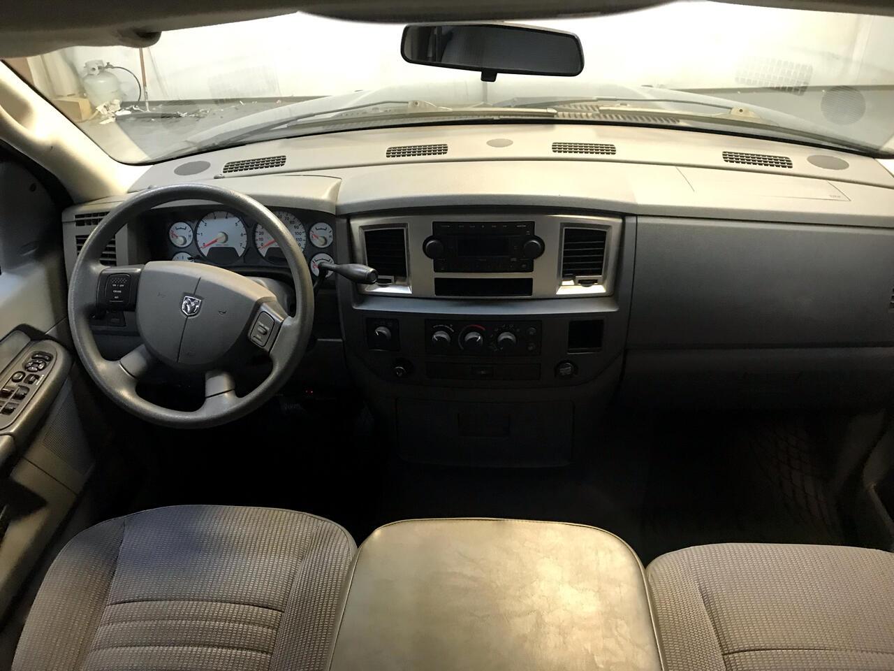 2008 Dodge Ram 1500 4WD Quad Cab 140.5