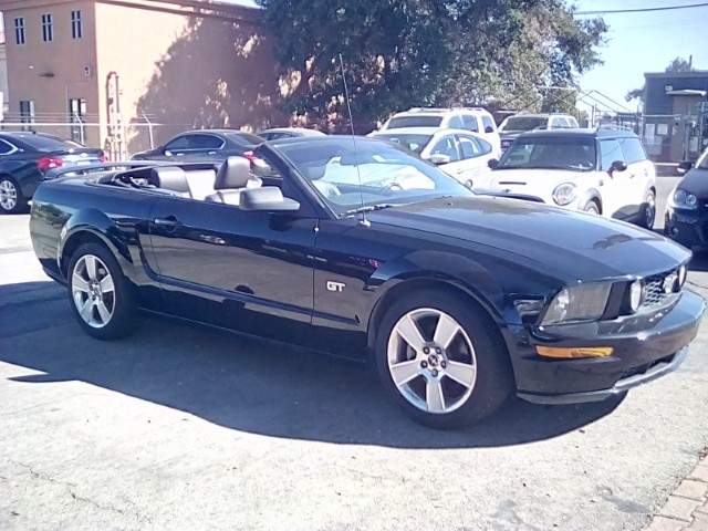 2006 Ford Mustang GT Deluxe Convertible