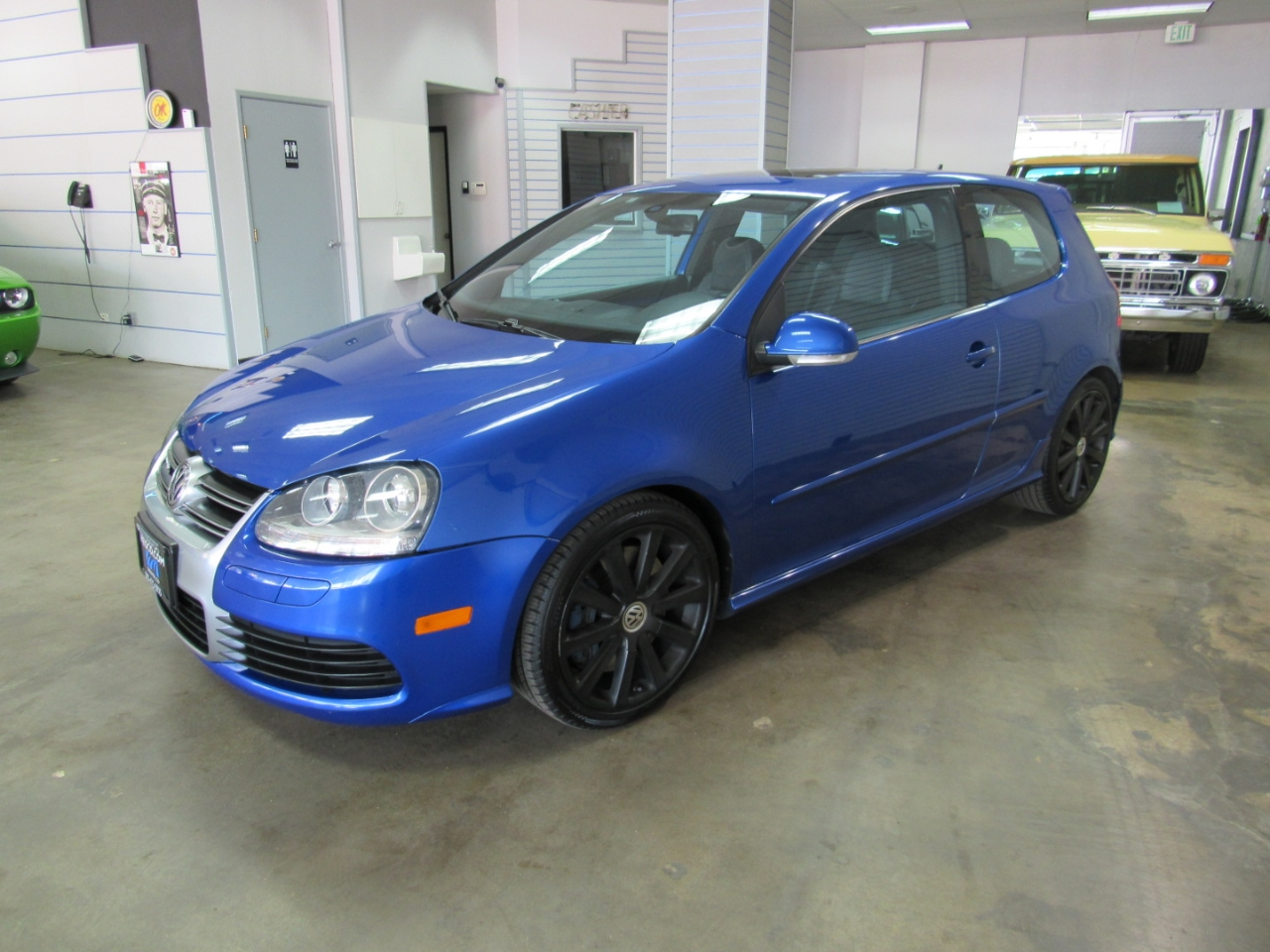 Volkswagen R32 Base 2008