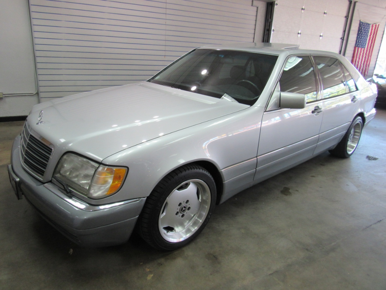 1995 Mercedes-Benz S-Class S500 sedan
