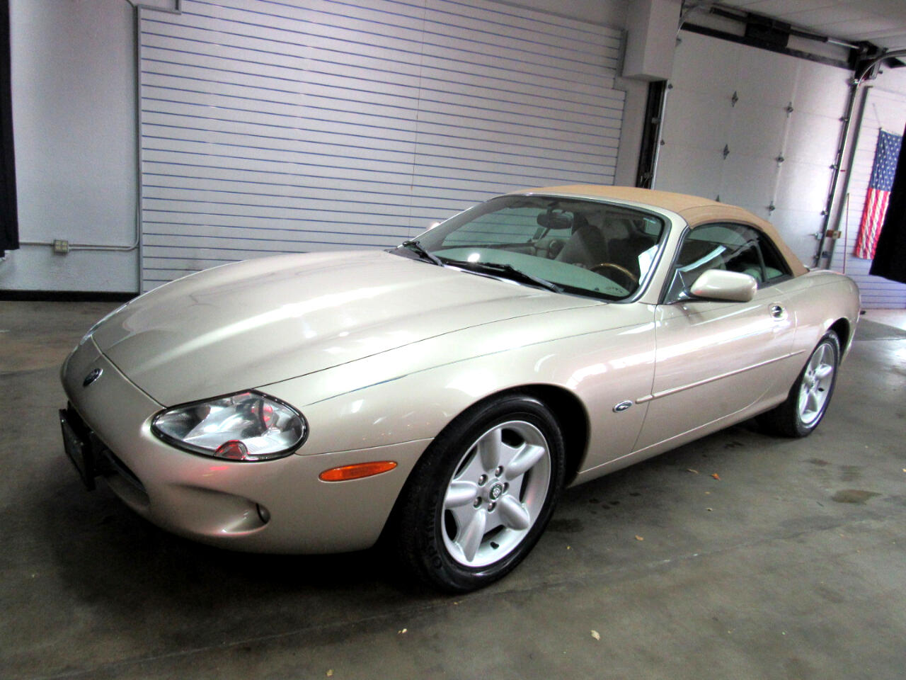 Jaguar XK8 Convertible 1999