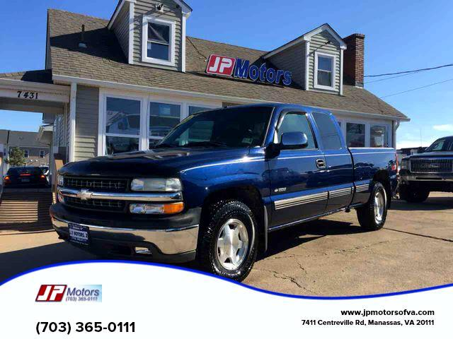 2000 Chevrolet Silverado 1500 Ext. Cab 3-Door Short Bed 4WD