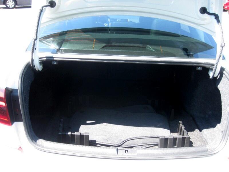 2017 Volkswagen Passat R-Line Auto