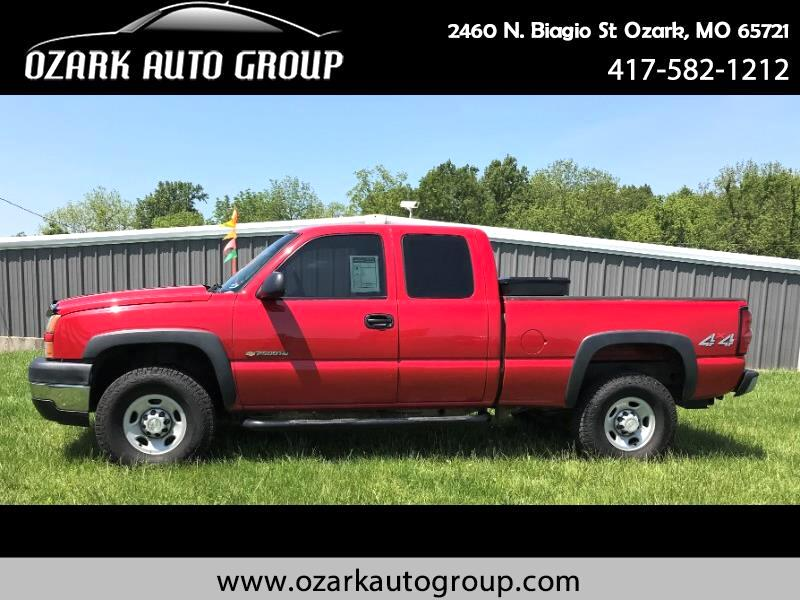 2006 Chevrolet Silverado 2500HD Work Truck Ext. Cab Short Bed 4WD