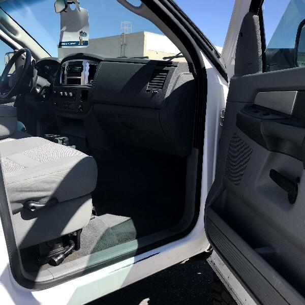 Dodge Ram 3500 Laramie Mega Cab 4WD DRW 2009